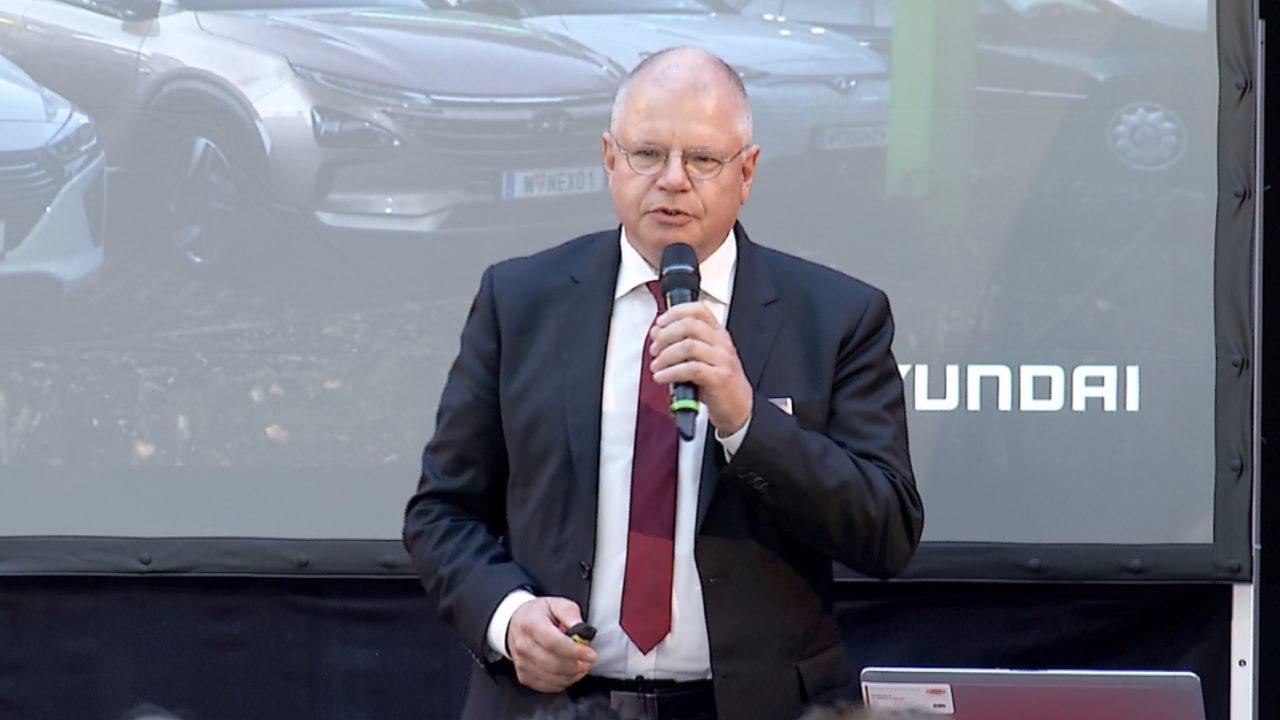 Hyundai und HyWest präsentieren NEXO FCEV an der Fronius H2-Firmentankstelle in Thalheim bei Wels